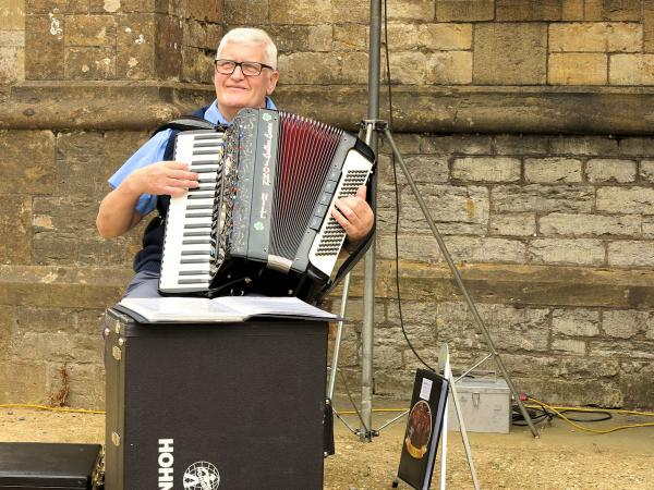 Live accordion music